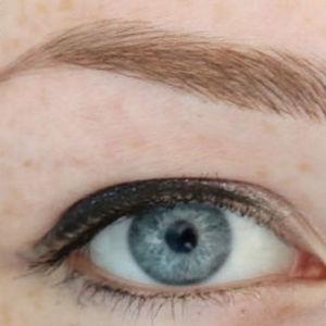 Maquillage Permanent Des Sourcils Poil Par Poil Ou Ombrage